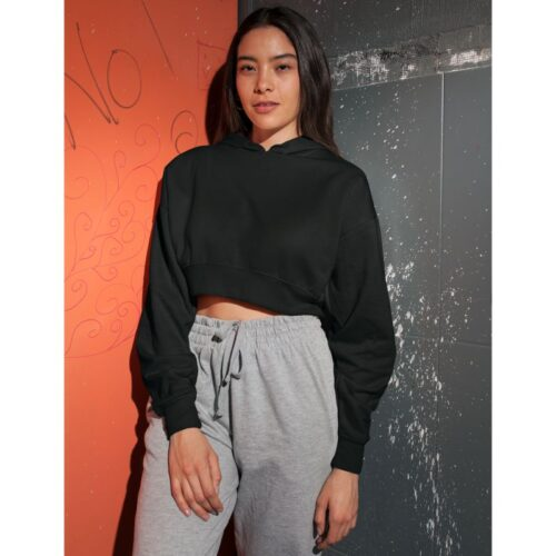 black-crop-hoodie-plain-model